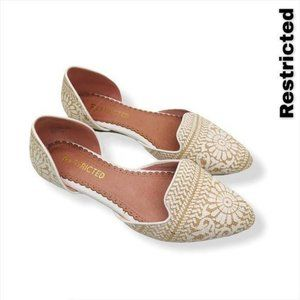 Restricted Women's Glory Flats Size 6.5